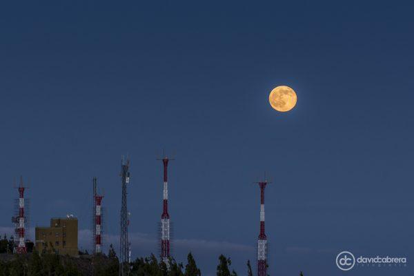 Foto de la Luna Llena desde el Pico de Las Nieves