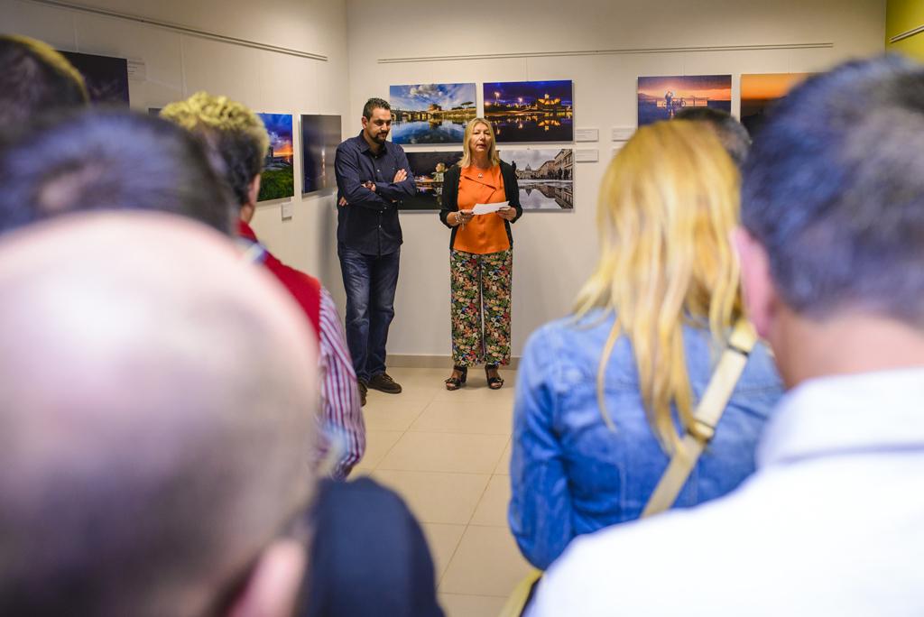 Exposición Cita con la imagen. Arucas. David Cabrera y Dulce González Concejala de Cultura