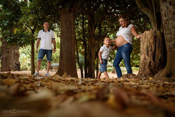 Foto familia en Finca de Osorio. Sesión de Embarazo por David Cabrera Guillén
