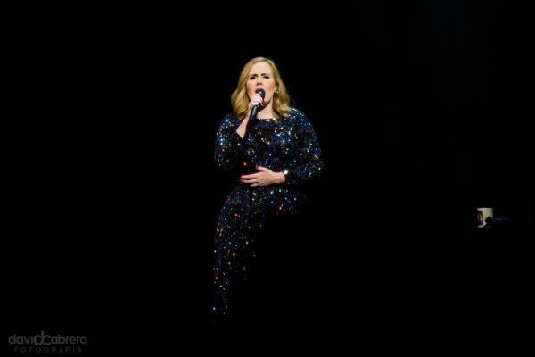 Foto de Adele en concierto en Amsterdam en 2016. Por David Cabrera Guillén