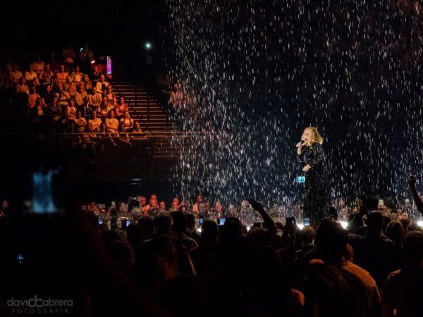 Foto de Adele en concierto en Amstedam 2016. Por David Cabrera Guillén