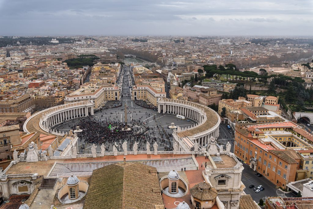 Plaza de San Pedro en Roma desde la Cúpula