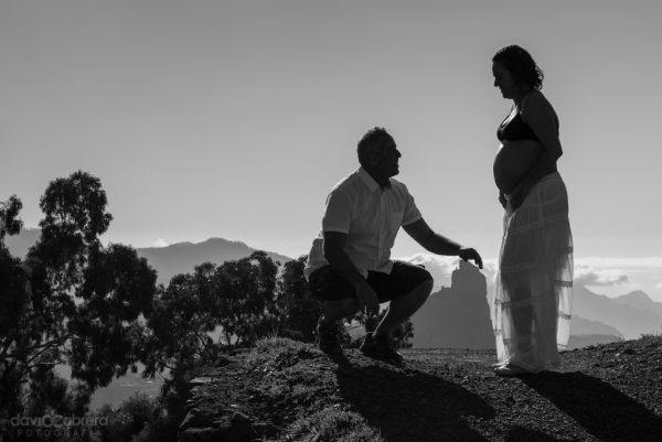 Foto de pareja a contraluz en Tejeda. Por David Cabrera Guillén